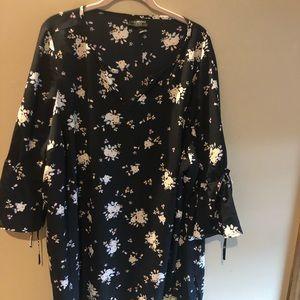 Tops - Black flowered blouse